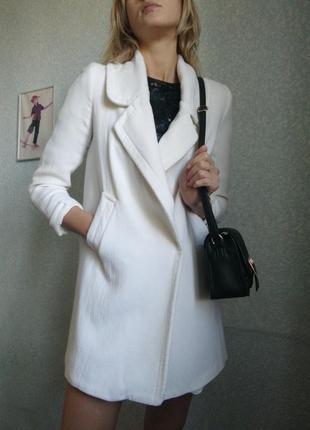Зара пальто кремово-белый
