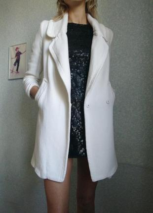 Пальто средней длины зара беж светлое молочного цвета