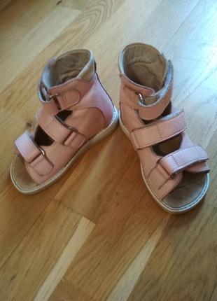 Босоножки сандалии тапочки нат. кожа ортопеды