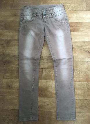 Коричневые джинсы. прямые джинсы. джинсы с заниженной талией.