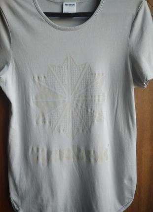 Стильная футболка для спорта reebok р. 8/s
