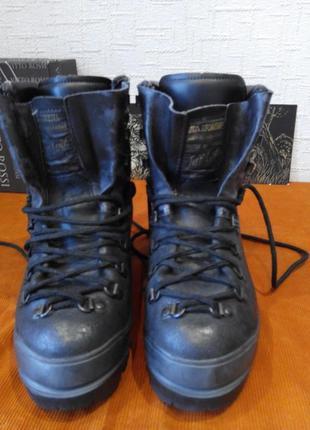 Альпинистские ботинки la sportiva