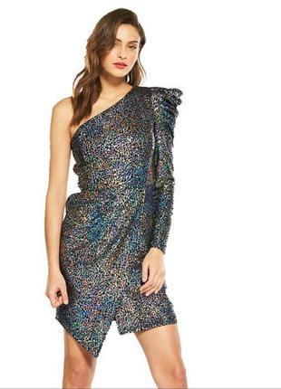 Шикарное вечернее платье с животным принтом