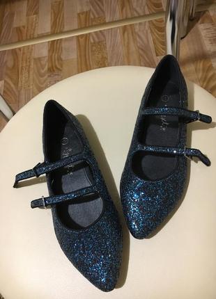 Блестящие туфельки 33рр распродажа вещи до 100грн