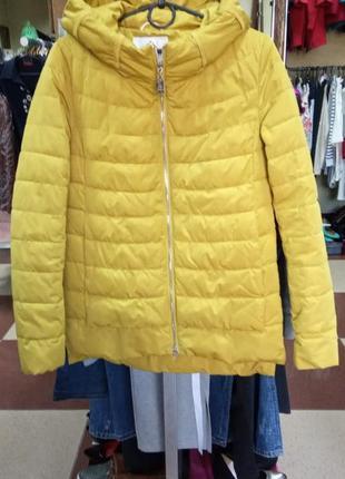 Теплая  жёлтая куртка осень- весна размер м
