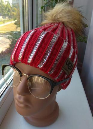 Новая стильная шапочка с бубоном, красная