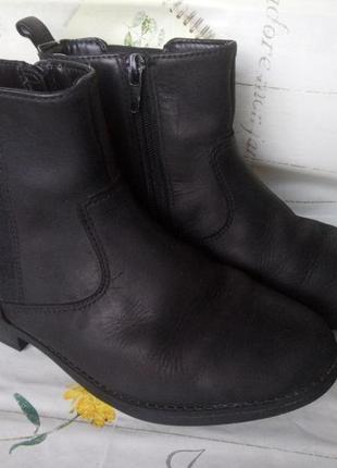 Демисезонные полусапожки, ботиночки clarks.