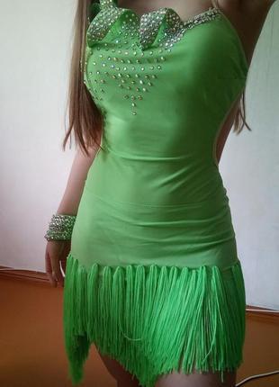 Платье для бальных танцев (латиноамериканская программа)
