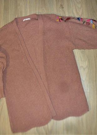 Пудровый кардиган крупной вязки с вышивкой размер 10