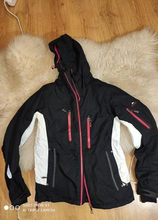 Лыжная куртка 36 размер