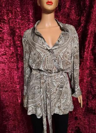 Лёгкая блуза туника на запах в принт от люкс бренда escada