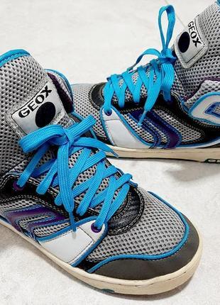 Фирменные кроссовки geox
