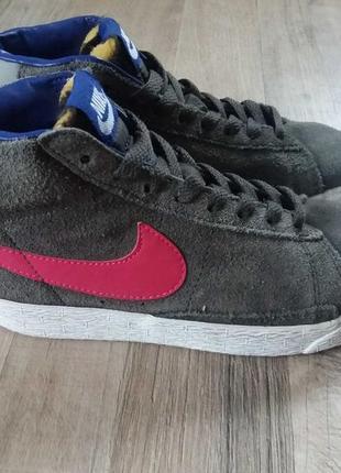 Nike кожаные кроссовки хайтопы на девочку 33р.