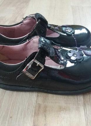 Clarks туфли лакированные кожаные на девочку 23р.