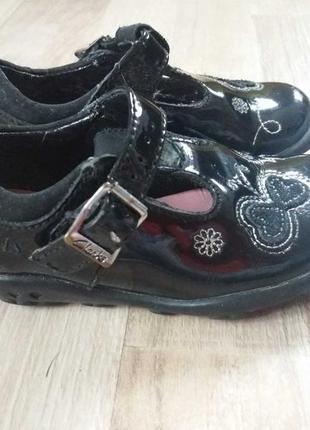Clarks кожаные туфли на девочку 22р.
