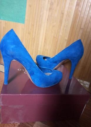 Стильные сексуальные туфельки, стройнящие ножку, на высокой шпильке
