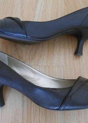 Туфли aldo кожаные лодочки маленький невысокий каблук размер 39