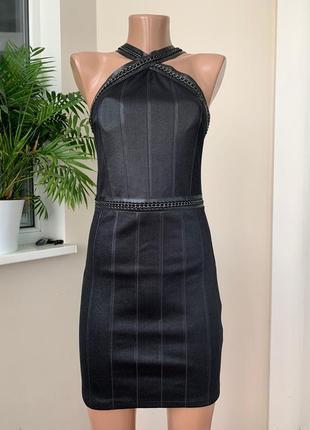 Вечернее платье с декором