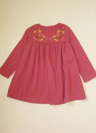 Теплое фактурное платье с вышивкой tu 1-2 года