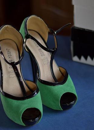 Зеленые босоножки