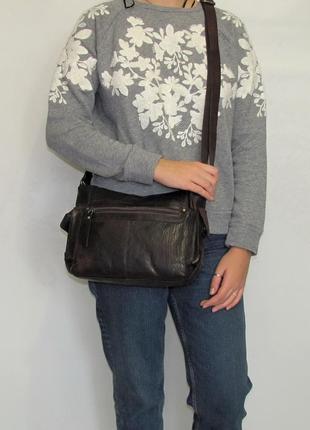 Практичная сумка кроссбоди, натуральная кожа.