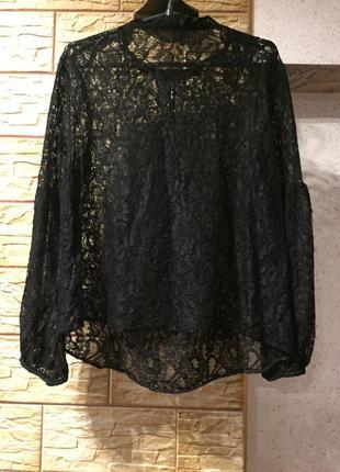 Кружевная блуза с объемными рукавами