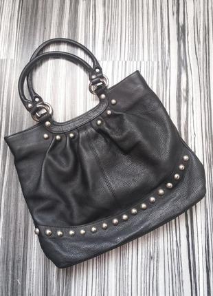 Кожаная сумка с металической фурнитурой luciano carvari