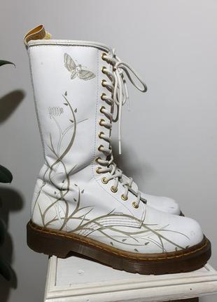 Старые ботинки dr. martens 11810