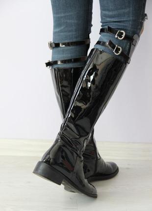 Лаковые кожаные сапоги  prima moda