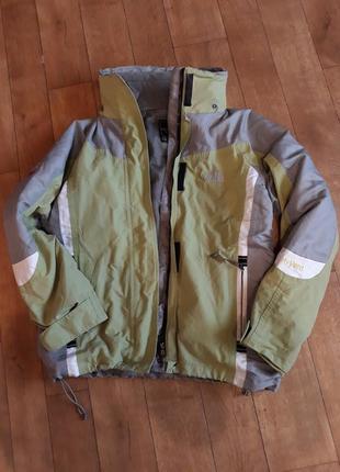 Теплая куртка с флисовой подстежкой the north face 😏