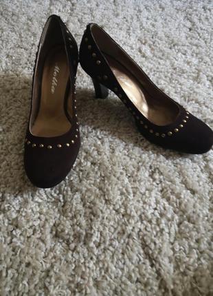 Новые замшевые туфли molka