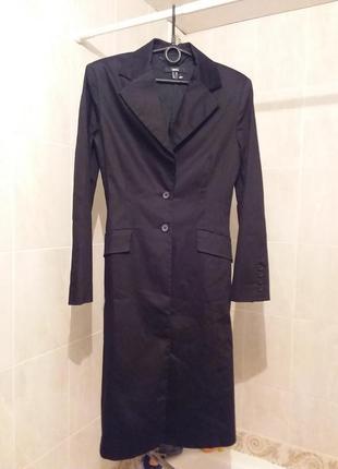 Удлиненный длинный пиджак