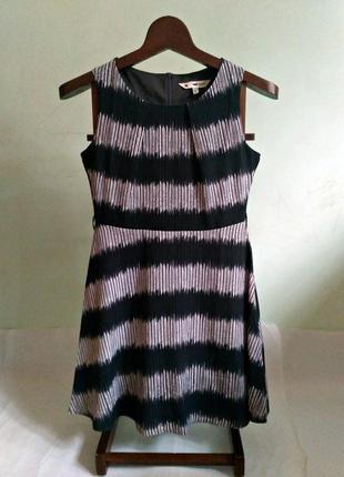 Красивое платье( s-m)