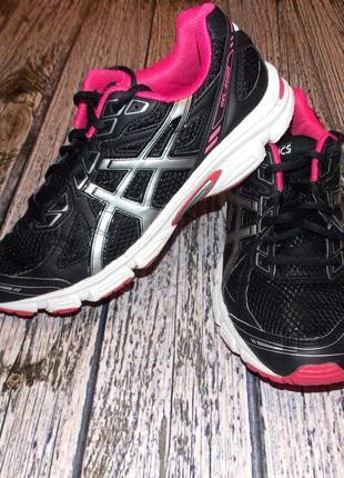 Фирменные кроссовки asics для мужчины , размер 40,5