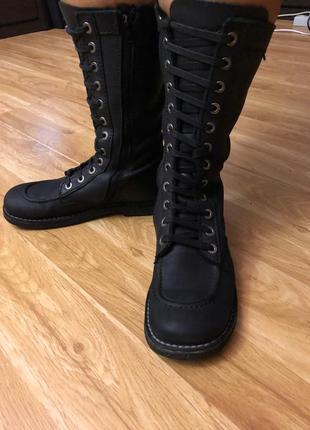 Кожаные демисезонные высокие ботинки известного французского бренда kickers,