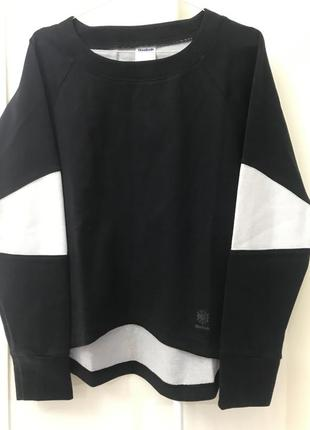 Чёрная спортивная кофта reebok