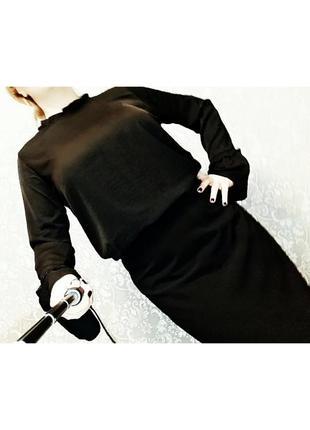 Блуза воротник-стойка и рукава с рюшами amisu на 14-16 размер.