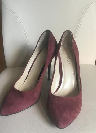 Элегантные туфли brocoly