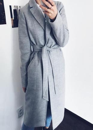 Серое базовое пальто халат миди на запах с поясом primark