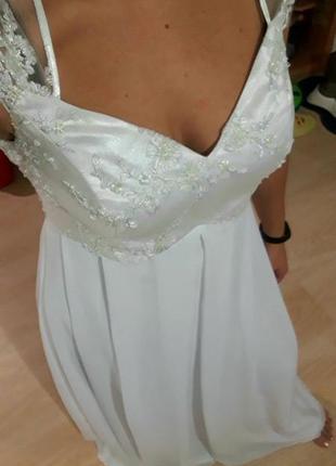 Белое платье свадебное длинное в пол