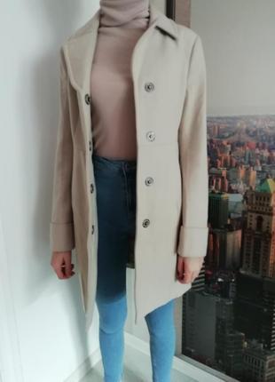 Новое элегантное пальто benetton