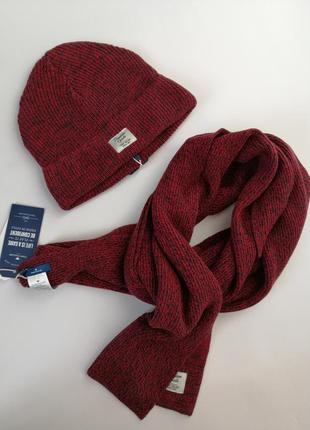 Набор шапка+шарф красивого насыщенного бордового цвета