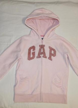Нежно-розовая плотная флисовая кофта gap с капюшоном. на девочку 8-9 лет. рост 128-134 см.