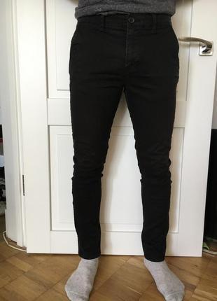 Чёрные брюки pull & bear