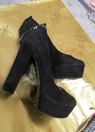 Туфли medea на высоком каблуке