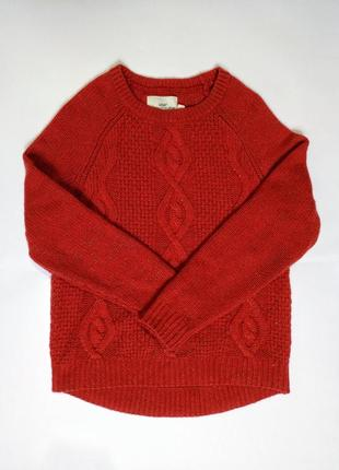 Красный свитер с золотой нитью