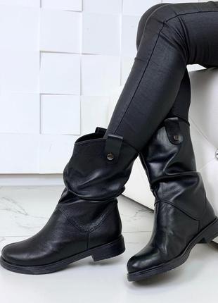 Высокие кожаные ботинки гормошка,зимние теплые ботинки на низком ходу.