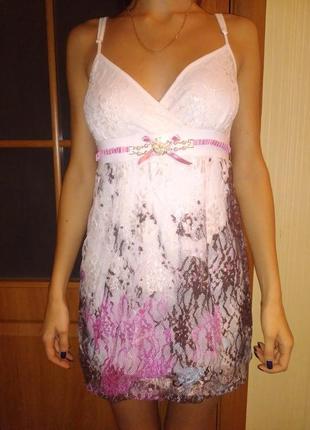 Платье короткое с гипюром