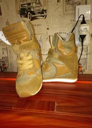 Кроссовки,сникерсы,на платформе 35-36 рр