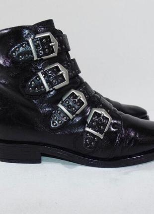 Стильні шкіряні черевики!